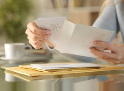Munca la domiciliu - plicuri si formulare